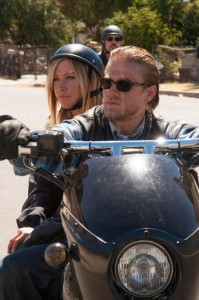 "Charlie Hunnam gives guest star Ashley Tisdale a lift in ""Sons of Anarchy"""