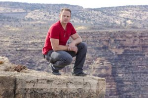 How many people watched Nik Wallenda Grand Canyon walk live?