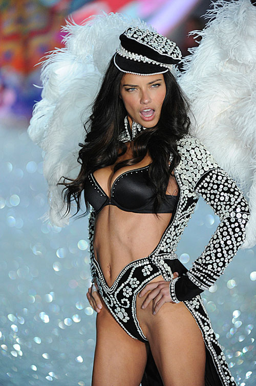 victorias-secret-fashion-show-2013-3