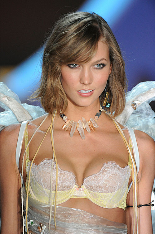 victorias-secret-fashion-show-2013-4