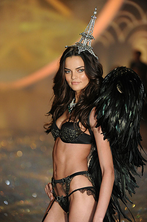 victorias-secret-fashion-show-2013-6