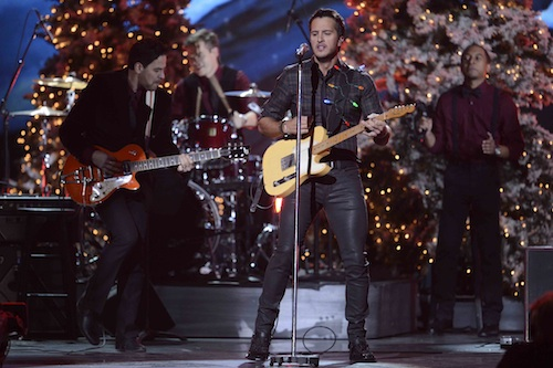 CMA Country Christmas 2013 Luke Bryan