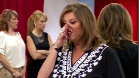dance-moms-abby-itchy-nose-2