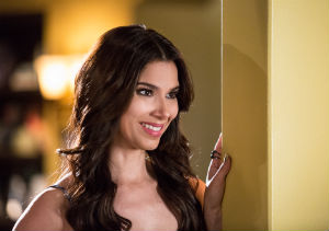 Devious-Maids-Season3-EP8-Carmen